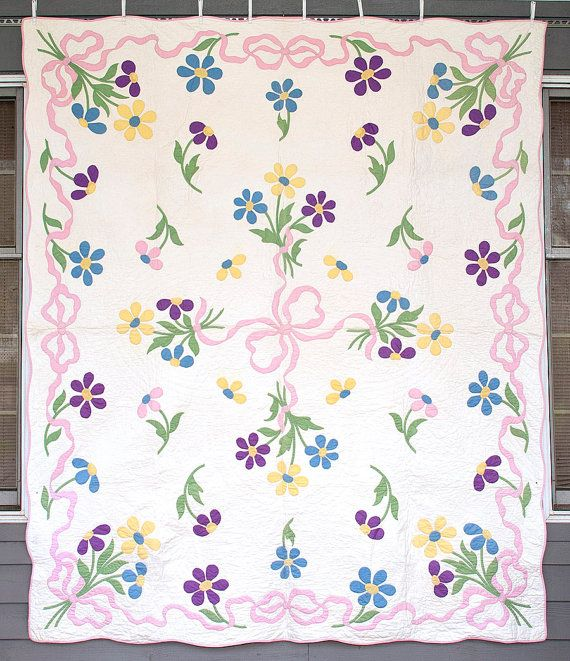 Vintage Applique Quilt,  Bow Knot and Floral Quilt,  Hand Appliqued, Hand Quilted, Cottage, Farmhouse Quilt on Etsy, $385.00
