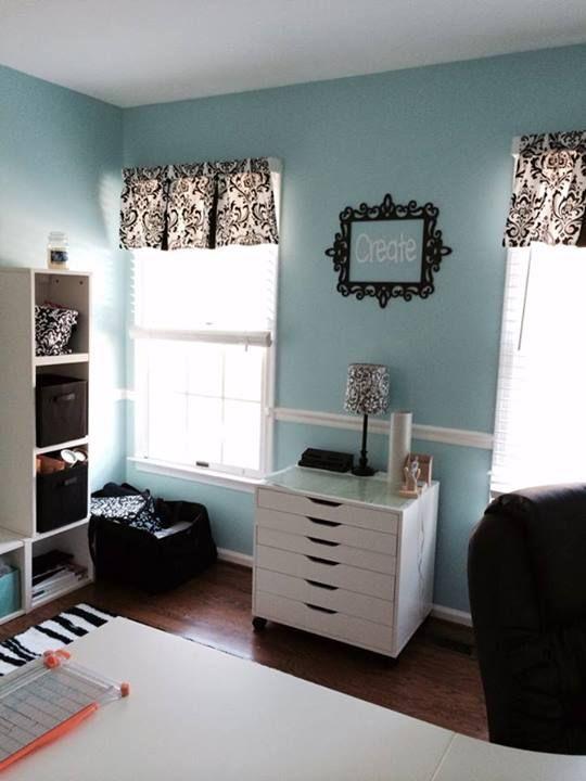 fabULous craft room!