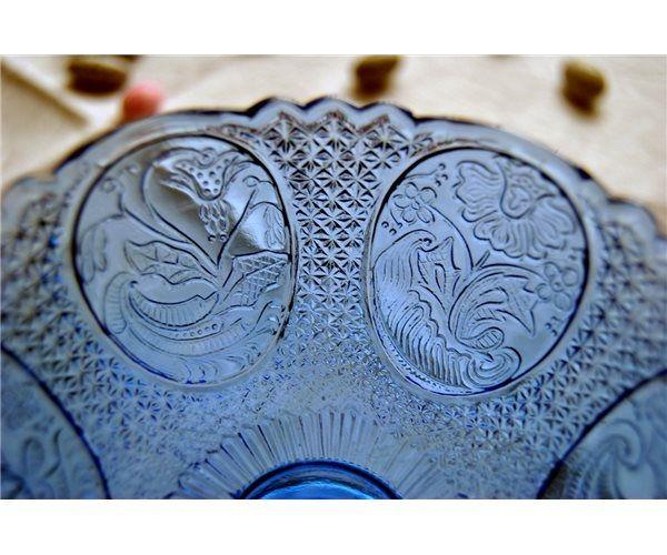Blå glasskål på fod, Olympia, finsk presset glas
