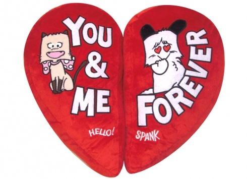 HELLO SPANK CUSCINO DOPPIO MAGNETICO  Cuscino peluche Hello Spank love a forma di cuore. Il cuscino è divisibile in due parti perche' attaccato tramite delle calamite all'interno.