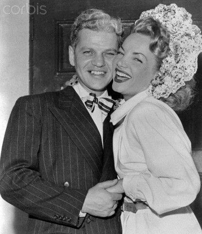 CARMEN MIRANDA and DAVID SEBASTIAN get married in1947