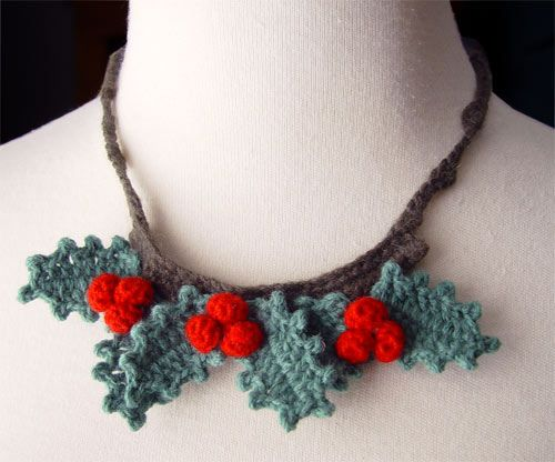 crochet inspiration ~ holly berry necklace {by meekssandygirl, via Flickr}
