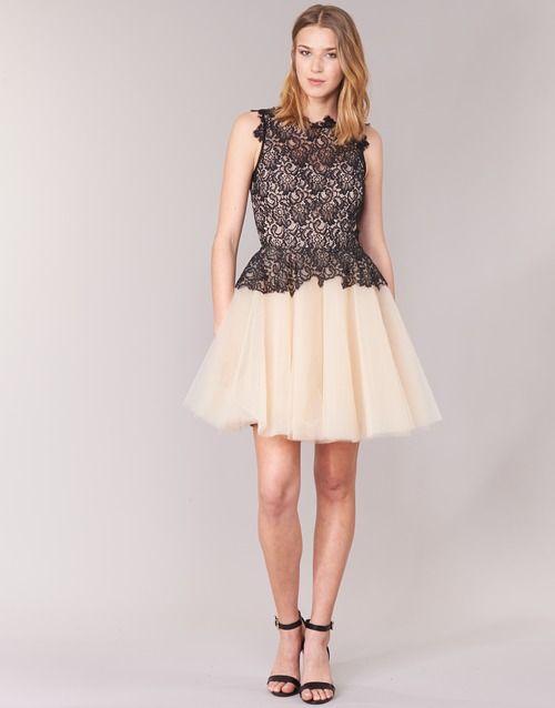 17 meilleures id es propos de robes en dentelle noires for Qu est ce qu une robe de trompette