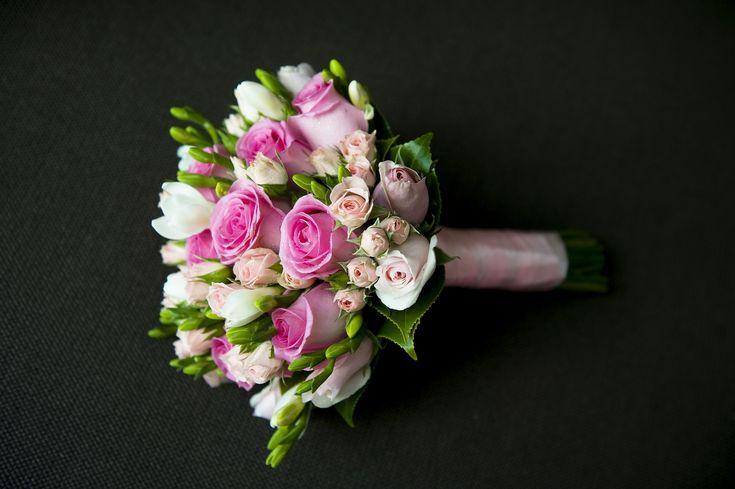 Bukiety ślubne inspiracje 2017  Najpiękniejsze bukiety ślubne i kwiaty do dekoracji kościoła i sali weselnej. Kwiaciarnia Zielona Oaza w Brzozowie zaprasza wszystkie Panny Młode!  #bukietyślubne #bukietślubny #bukietyślubne2017 #zielonaoaza #kwiaciarniabrzozów