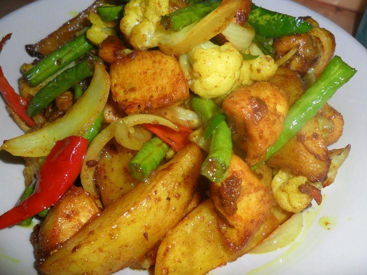 DUNIA KECIL KITA .: Ayam Goreng Kunyit bersama kentang
