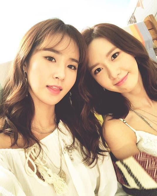 SNSD Yuri, YoonA, and Sooyoung snap selfies at their 'Baby G' pictorial.                                                                                                                                                                                 More