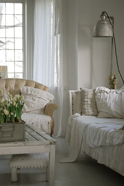 White vintage + industrial + Scandinavian I like the lamp