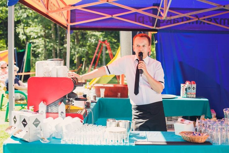Agencjabarmanow.pl - Profesjonalne pokazy barmańskie, pokazy barmańskie, pokazy baristyczne, barman na wesele, szkolenia barmańskie, szkolenia baristyczne, drink bar, cafe bar, pokaz barmański, pokaz baristyczny, agencja barmanów, agencjabarmanów, mariusz grzesik