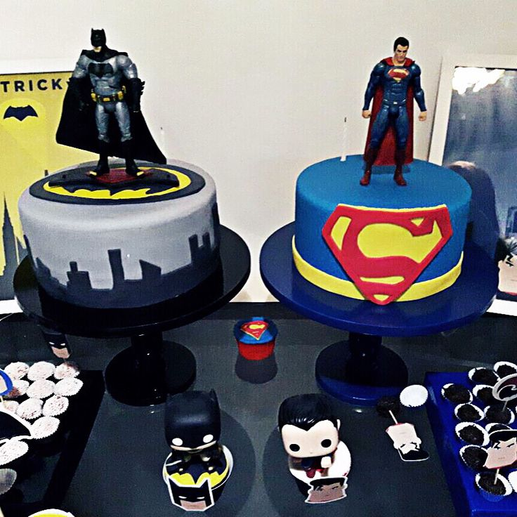 batman vs superman par comemorar a vida do @thglt e do @patrick_okada parabéns meus queridos #cake #cakestagram #bolos #bolosdecorados #batmanvsuperman