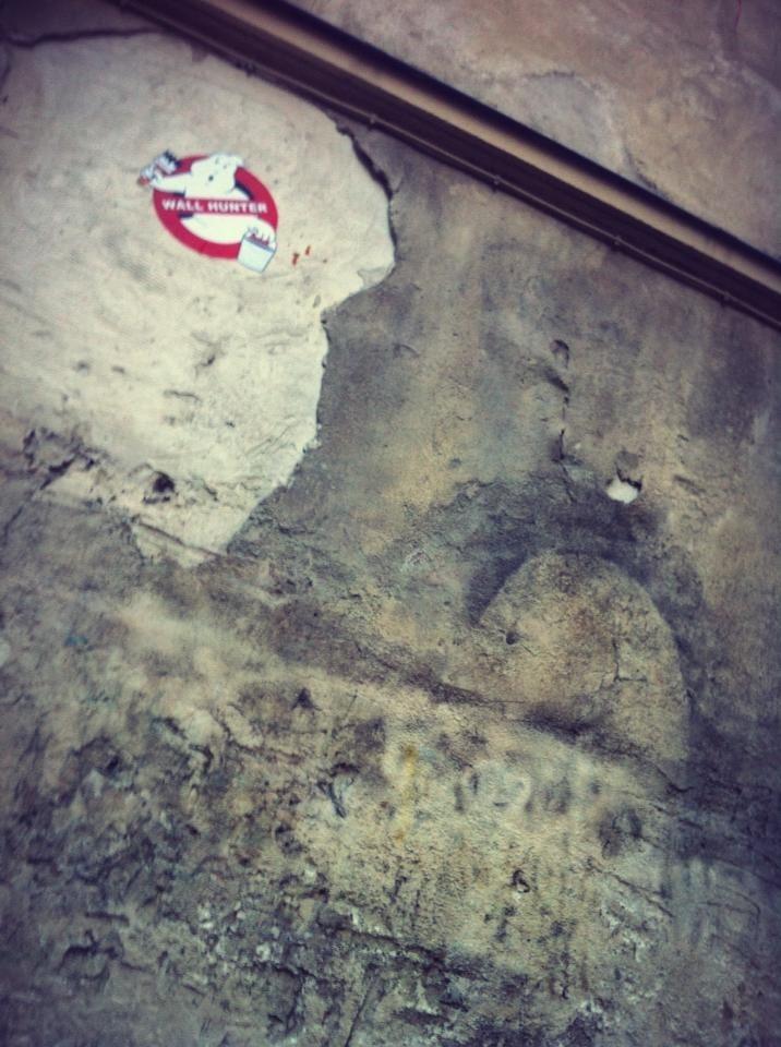 Ghost buster Street-art Paris, France - 2012 nov 25 - photo Olivier MIGNOT