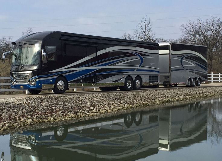 2016 American Heritage 45T #6883 Featherlite Prevost Motorhome Sales | Featherlite Coaches