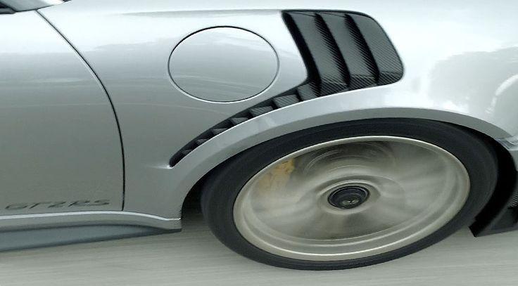 Porsche 911 991 GT2 RS front fender vent