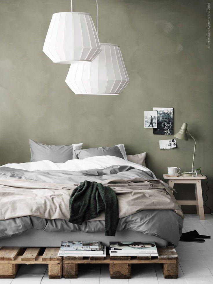 Det är ett välkänt faktum att grönt är ett bra kulörval i sovrummet. En grön nyans tillför en lugn, harmonisk stämning och verkar lugnande på alla sinnen.
