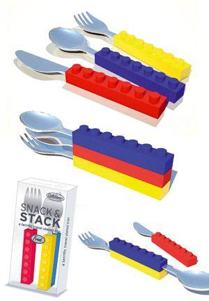 Des couverts ludiques pour vos enfants pour manger tout en s'amusant !Ils s'emboitent l'un dans l'autre pour les ranger ensemble et ont été créés spécialement pour des mains d'enfants (prise en main facile). Le set comprend une fourchette, un couteau et une cuillère.
