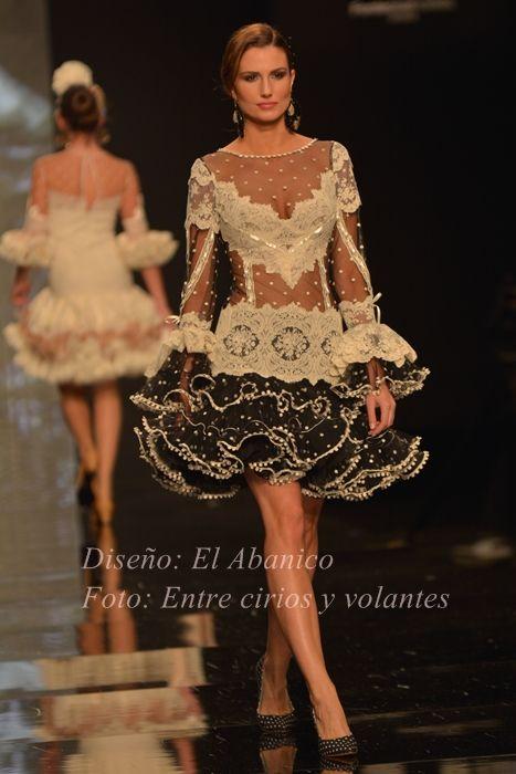 Moda Flamenca por Clauida Alfaro vía Entre Cirios y Volantes.                                                                                                                                                                                 Más