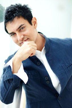 Aamir Khan  one o f my favorite Bollywood Actors  =D