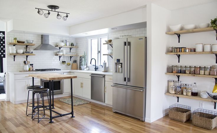 8 tips For Creating Successful Open Shelving (and a pantry) (via @jenloveskev)
