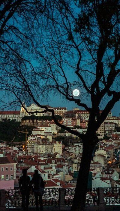 #Lisbon full moon #Portugal