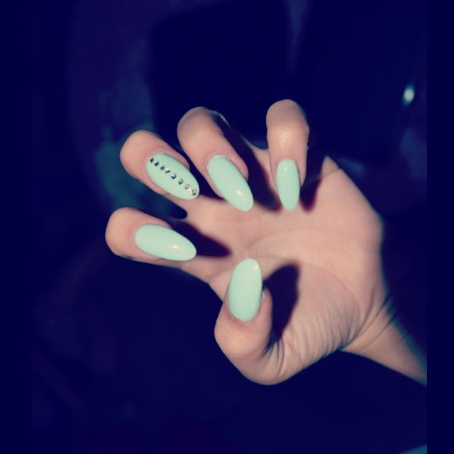 Cat claw nails:)