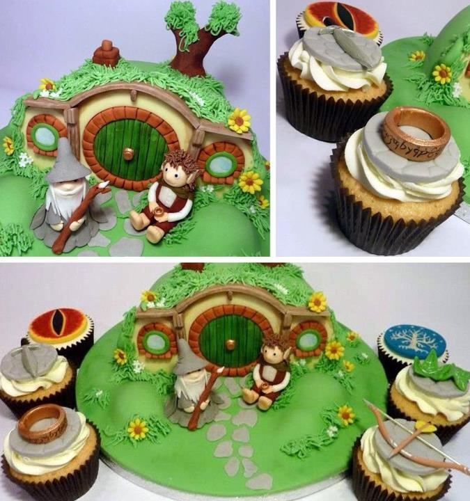I like the lay out, how the ground had little hills or texture...I LOVE THE TREE! It's simple and neat looking.wish it was a cake on the base though.