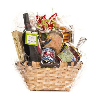 43 best Christmas Gift Baskets images on Pinterest | Christmas presents, Christmas gift baskets