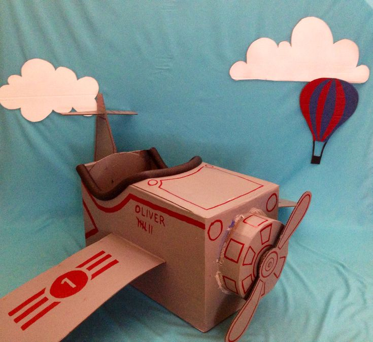 Airplane theme party - passport photo booth
