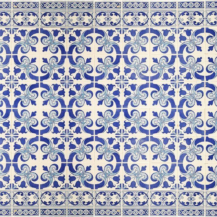 Je hoeft niet verder te zoeken naar die bijzondere oude Hollandse tegeltjes! Net als de echte Delftsblauwe tegels met enkele beschadigingen en barsten, net zoals bij oma vroeger thuis... Price €125,00