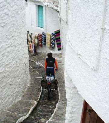 From the back roads of La Mancha to the splendor of the Pyrenees, the country is a bike lovers' paradise Rio, Back Road, Bicycle, Biking, Travel, Trekking, Paths, Bicycles, Saddle Bags