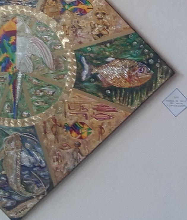 """Nº1602 Familia de """"peces"""" del Yasuní; realizada el 10 de Febrero del 2016 en óleo y esmalte sobre lienzo, de 2,12mts x 2.12mts formato rombo registro en el IEPI Nº.Qui-050213. El delfín rosado del amazonas, el pez gato, la piraña y el bagre algunas de las especies importantes como alimento de las étnias del Yasuní. La Caverna de Platón muestra esculturas en cerámica de astronautas, pinturas rupestres de robots un alto relieve de Egipto, mural en Africa: humanos vs. sirenas. Precio: USD…"""