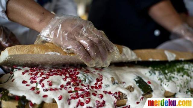 Torta adalah jenis sandwich yang populer di Meksiko. Torta bisa diisi dengan berbagai macam makanan, mulai dari telur, sosis, ham, daging steak, dan keju.