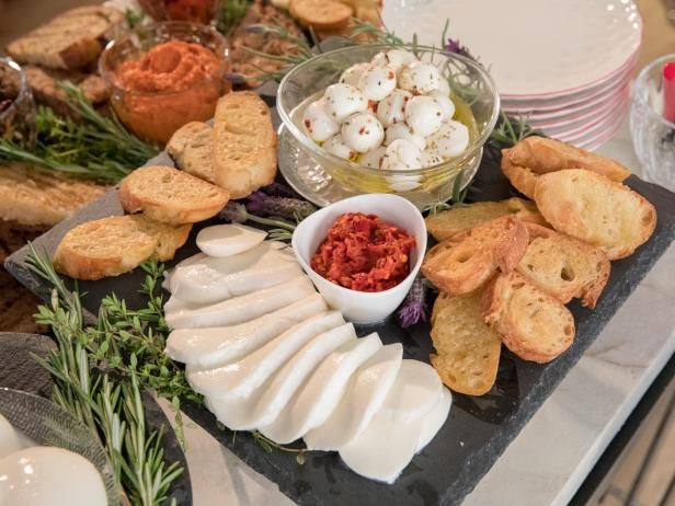 Mozzarella Bar Recipe Food Network Recipes Recipes Tomato Recipes