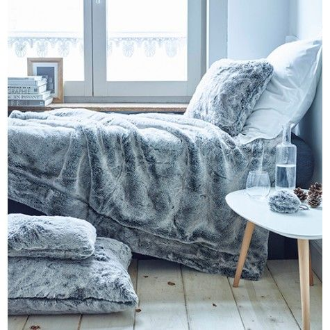 1000 ideas about plaid fausse fourrure on beds drap and indoor