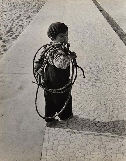 Photographie de ©Sabine Weiss  Portugal, 1954