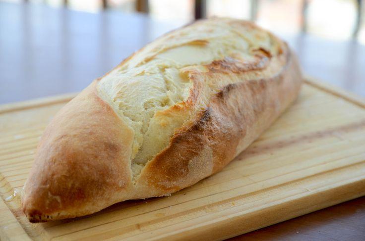 Pão com fermentação longa de iogurte e mel - casquinha crocante e interior super macio!