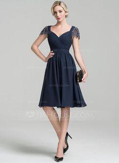 A-Line/Princess Sweetheart Knee-Length Chiffon Cocktail Dress With Ruffle Beading Sequins (016096560)