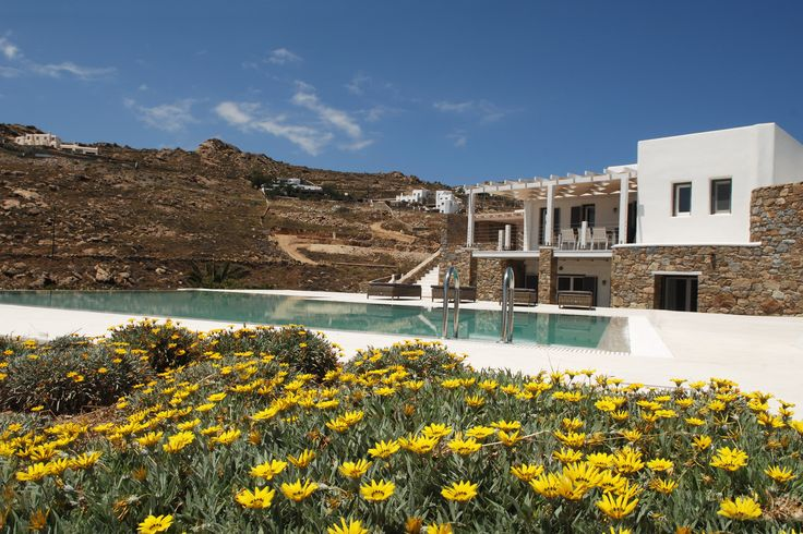 Villa Gaia is a luxury villa to rent that offers the ultimate luxury Greek holiday experience!