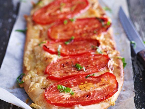 Eiertomaten-Pizza ist ein Rezept mit frischen Zutaten aus der Kategorie Pizza. Probieren Sie dieses und weitere Rezepte von EAT SMARTER!
