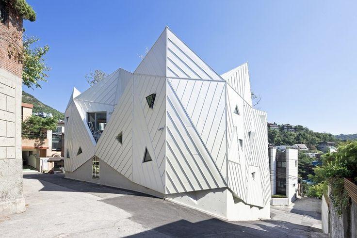 http://www.construire-tendance.com/wp-content/gallery/15-04-hwa-hun/fa%C3%A7ades-HWA-HUN-par-IROJE-KHM-Architects-Pyeongchang-dong-Cor%C3%A9e-du-Sud.jpg