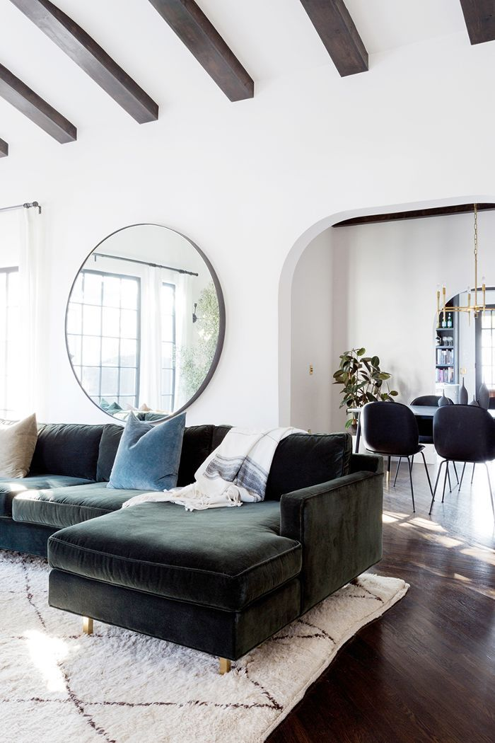 An expert shares her most accessible feng shui living room tips—and reveals the only colors she'd paint this oft-used space.