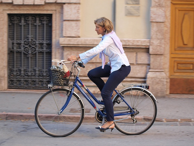 streetcycle and bicycle culture from Trent, Italy by Joice Preira, via Flickr