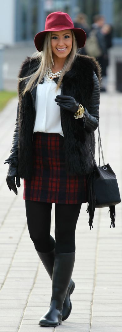Red And Black Tartan Mini Skirt #Fashionistas I'm not feeling the hat, but to each their own.