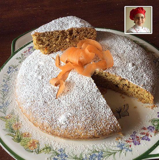 Carrot cake speziata CARROT CAKE SPEZIATA Difficoltà: facile Cottura: 40minuti Preparazione:60 minuti Costo:basso Ingredienti per 4 persone Uova3medi