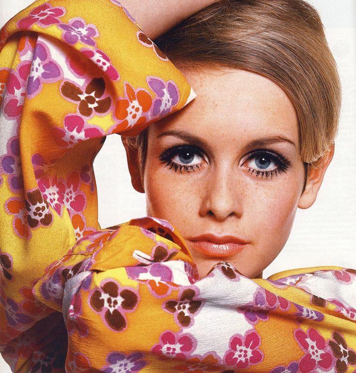 Эталон для современных стилизованных фотосессий 60-х — макияж в стиле Твигги