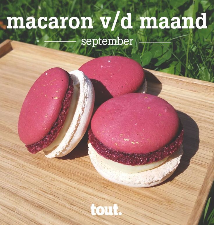 De septembermacaron met ingrediënten uit de tuin; jasmijn, viooltjes, munt en hibiscus.
