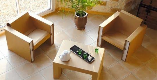 Кресла и журнальный столик из картона