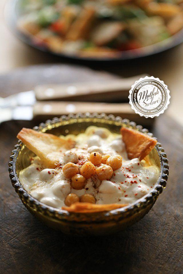 Fette Salatası (Tahinli-Nohutlu) -