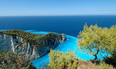 Zakynthos den grønne græske ø og hvide sandstrande. Se mere på www.bravotours.dk @Bravo Tours #BravoTours #Travel