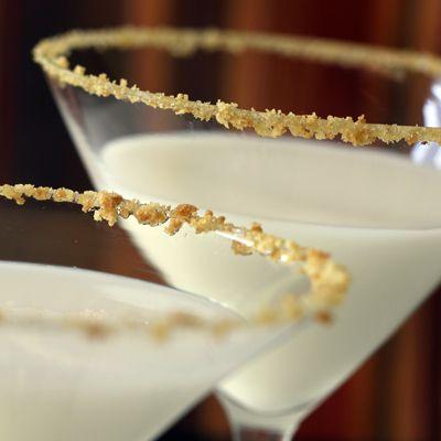 Martini de Pie de Calabaza – Sabe tan delicioso como suena su nombre. ¡Definitivamente hay que probarlo!