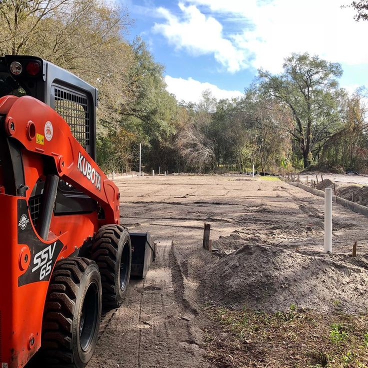 Prepping this pad for a new metal building  #floridalandworx #florida #property #services #stihl #crane #tampa #grading #treeremoval #treeservice #treetrimming #kubota #landpride #skidsteer #boom #plantcity #landclearing #stumpremoval #landscaping #sod #dirt #asphalt #construction #ssv65 #bigtex @kubotausa