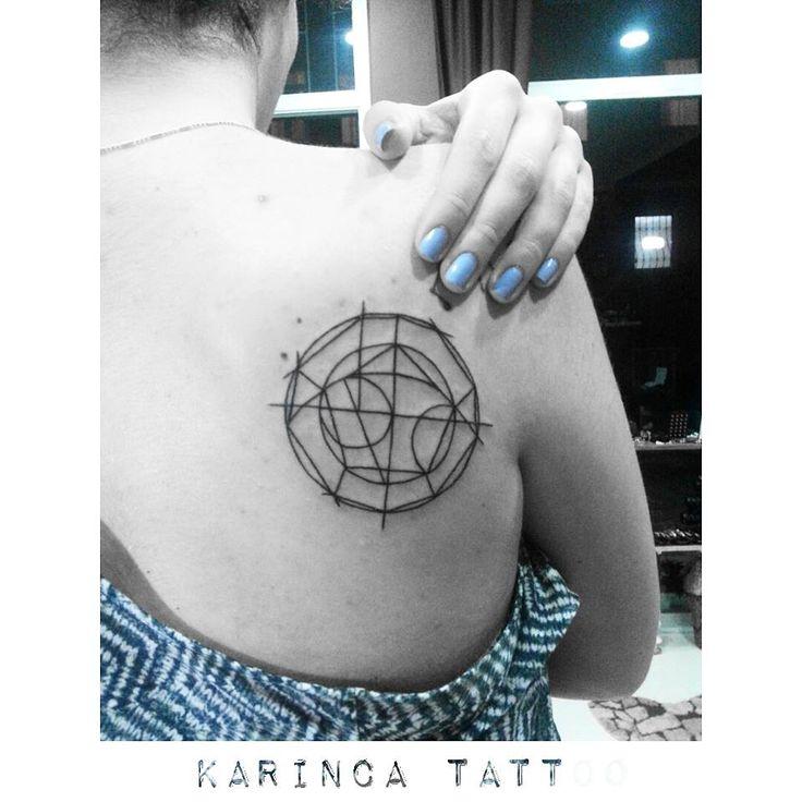 Geometric Tattoo on the back https://www.instagram.com/bahadircemtattoo/ #geometric #tattoo #geometrictattoo #dövme #backtattoo #mavi #inked #ink